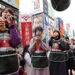 節分へ女子大生が丸かぶり/大阪海苔協同組合