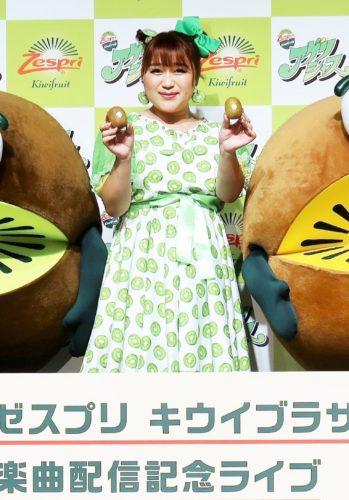 りんごちゃんがキウイ色のドレスで熱唱/ゼスプリ
