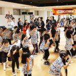Girls2が小学生50人にダンス指導/キリンビバレッジ