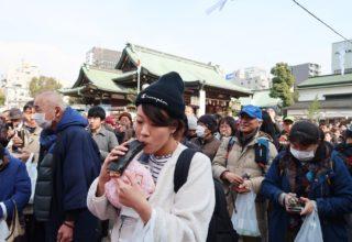 千人が一斉に巻き寿司頬張る/大阪海苔協同組合
