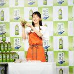 吉岡里帆が手料理を披露/コカ・コーラ