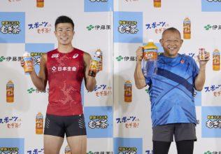 鶴瓶、桐生選手は、むぎ茶で夏を乗り切る/伊藤園